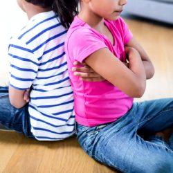 Pourquoi les frères et soeurs se chamaillent-ils et que faire?
